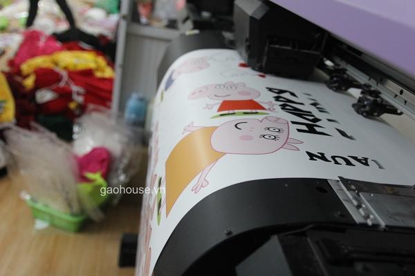 Công nghệ in chuyển nhật tại xưởng áo gia đình giá rẻ Gạo House