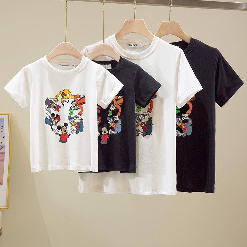 Mấu áo gia đình 4 người in hình các nhân vật hoạt hình nổi tiếng phối màu đen - trắng