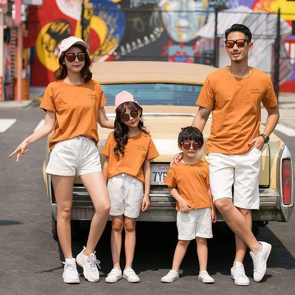 áo phông gia đình màu cam 4 người
