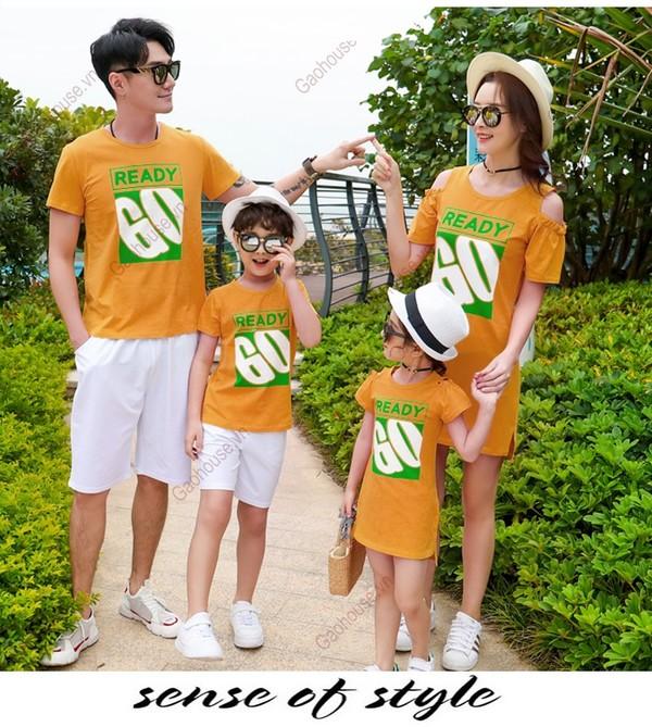 Áo váy gia đình khoét vai