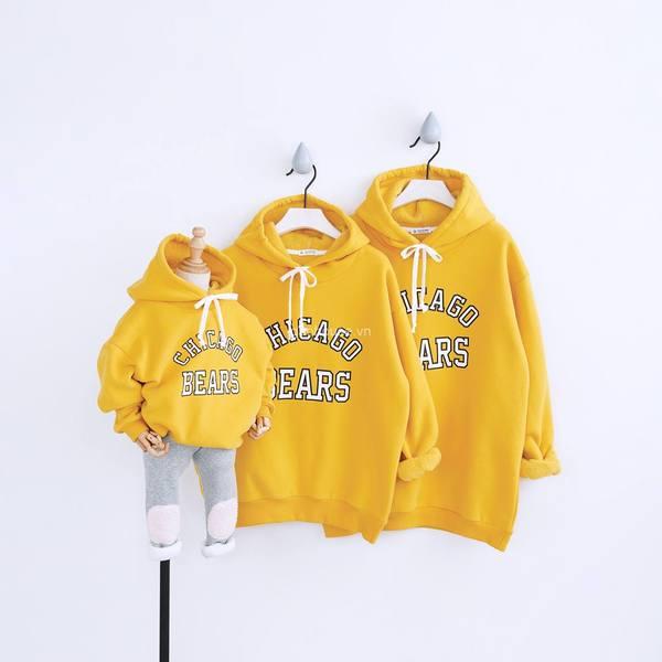 Áo hoodie gia đình 3 người in chữ đơn giản màu vàng