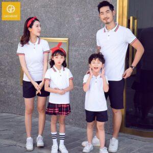 áo gia đình có cổ màu trắng