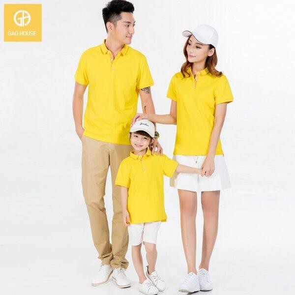 Áo gia đình có cổ màu vàng cho 3 người