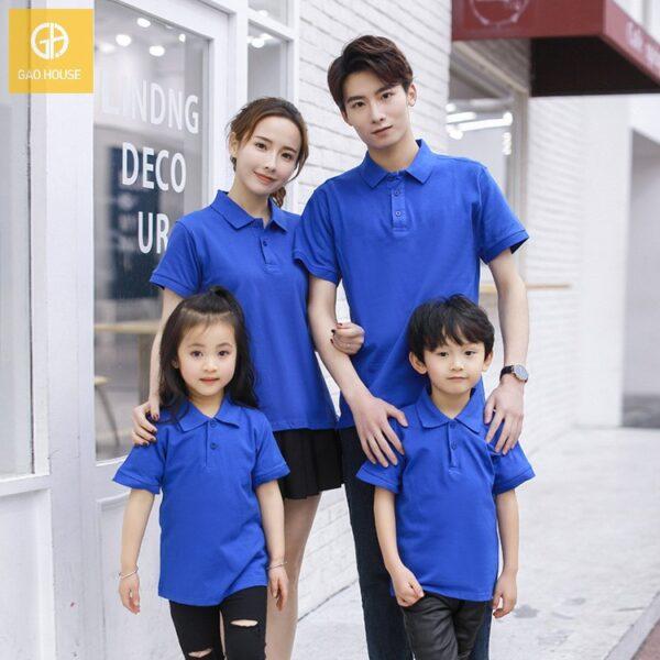 Áo gia đình có cổ màu xanh bích