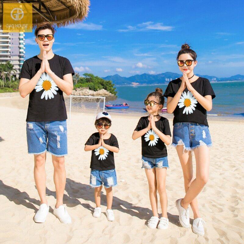 Áo gia đình đi biển hình hoa cúc agd0044 (1)