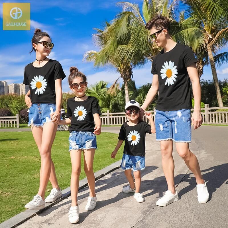 Áo gia đình đi biển hình hoa cúc agd0044 (3)