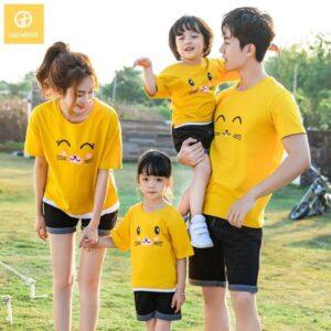 1_áo gia đình mùa hè họa tiết mèo dễ thương AGD0013 màu vàng