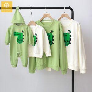 Áo gia đình mùa đông AGD0074 in hình cá sấu xanh
