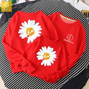 Áo gia đình mùa đông AGD0075 hoạ tiết hoa cúc màu đỏ