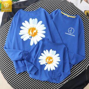 Áo gia đình mùa đông AGD0075 hoạ tiết hoa cúc màu xanh