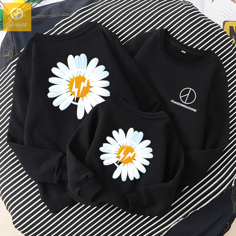 Áo gia đình mùa đông AGD0075 hoạ tiết hoa cúc màu đen