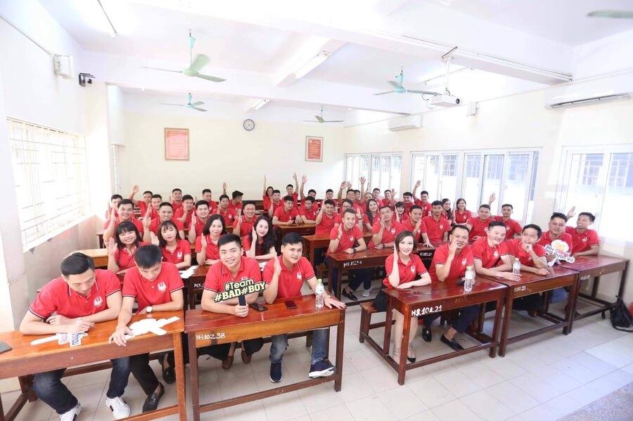 Áo đồng phục họp lớp màu đỏ
