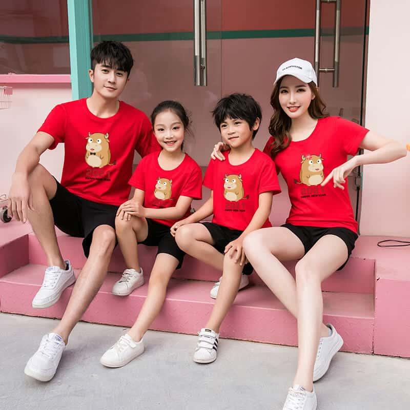 đồng phục gia đình tết màu đỏ