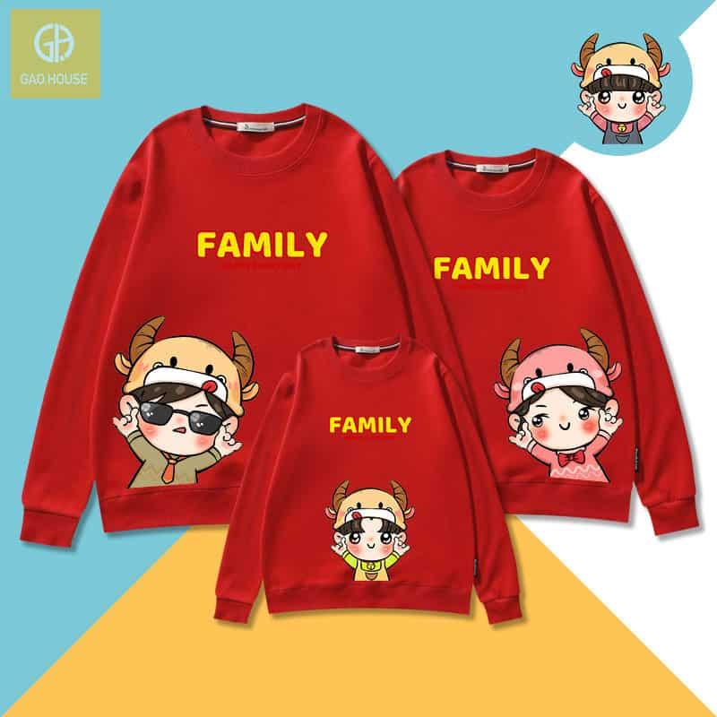 Mẫu áo gia đình tết 2021 màu đỏ